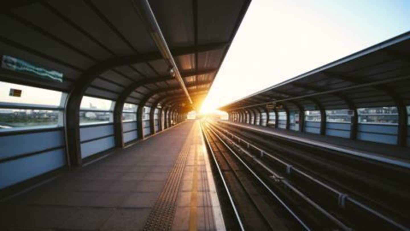 Smart Railway Stations for Smart Cities
