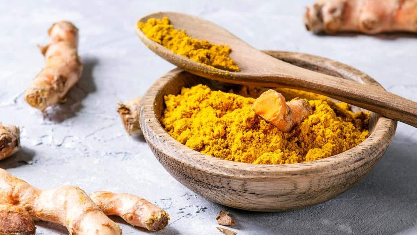 Turmeric tea can be prepared with just three ingredients