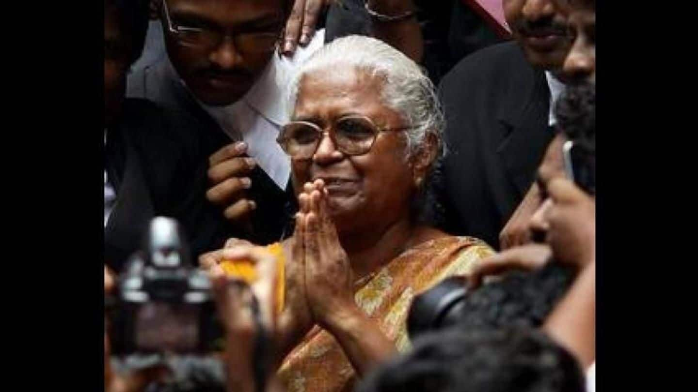 Rajiv Gandhi's assassin's mother meets TN Governor, seeks son's release