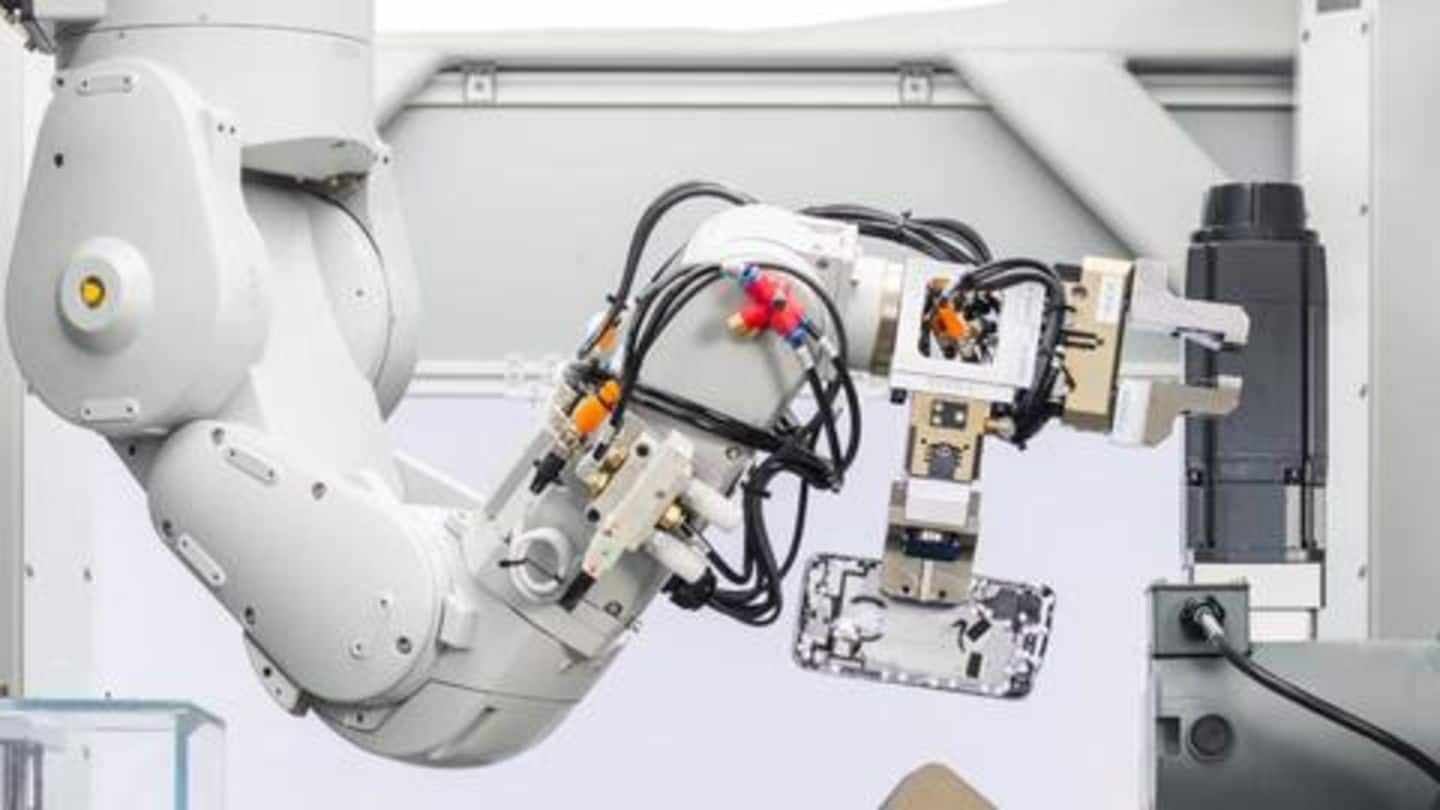 Apple could share its 'Daisy' robot to boost electronics' recycling