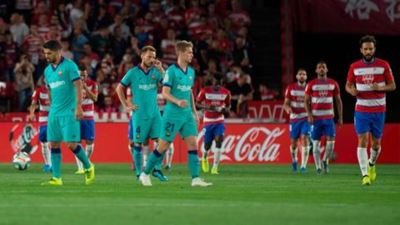 La Liga Granada Upset Barcelona 2 0 To Claim Top Spot Newsbytes
