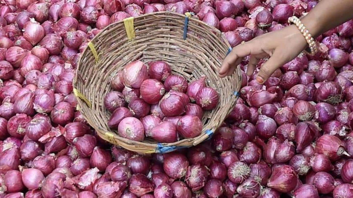 Onions retailing Rs. 100/kg in Mumbai, Pune; import norms relaxed