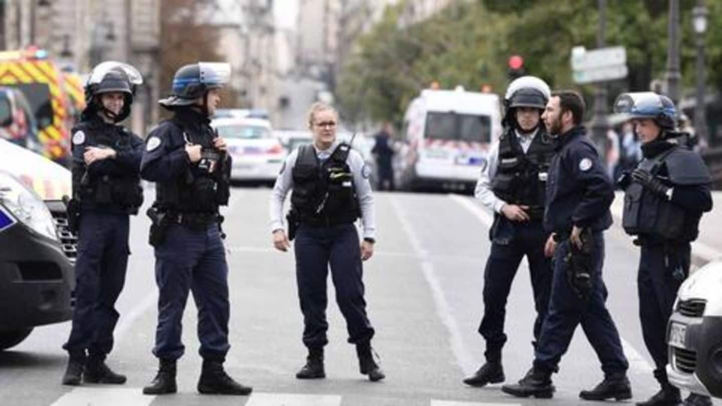 4 officers killed in knife attack at Paris Police headquarters