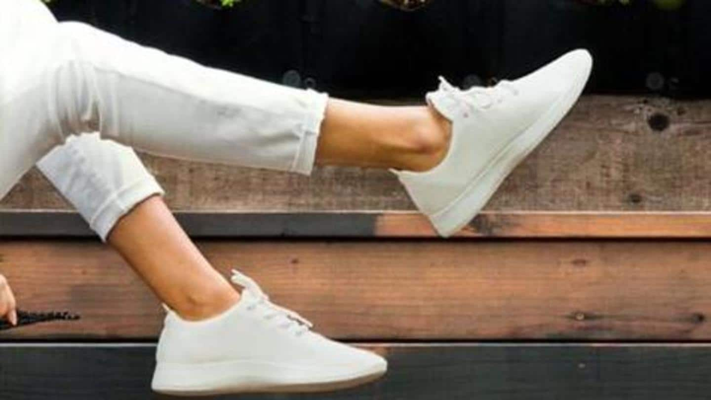 Few trendy ways to style your white sneakers